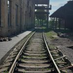 Dumu-fabrikas-kultūrinė-erdvė-traukinio-bėgiai